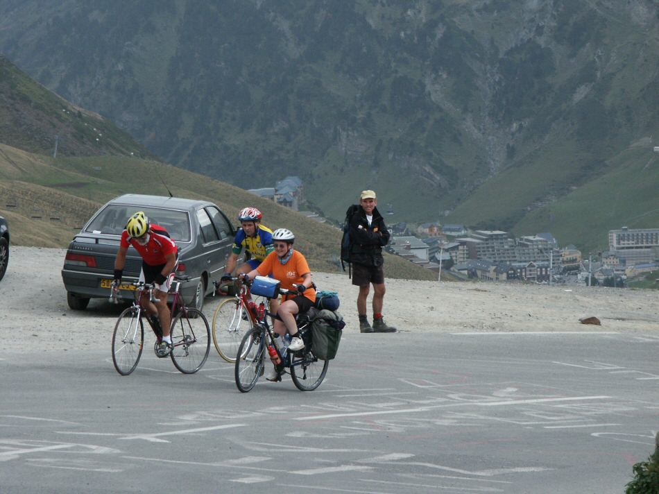 Evelyn reaches the tormalet in france