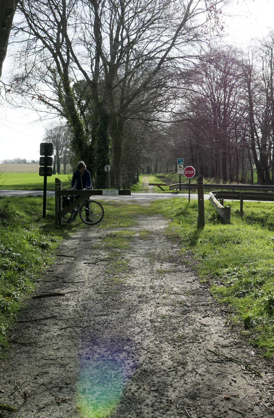 V8 cyclepath brittany france