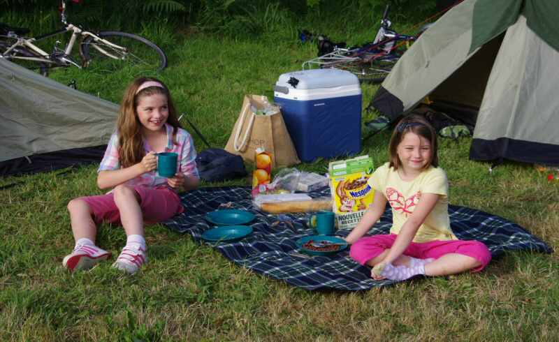 teens-on-camping